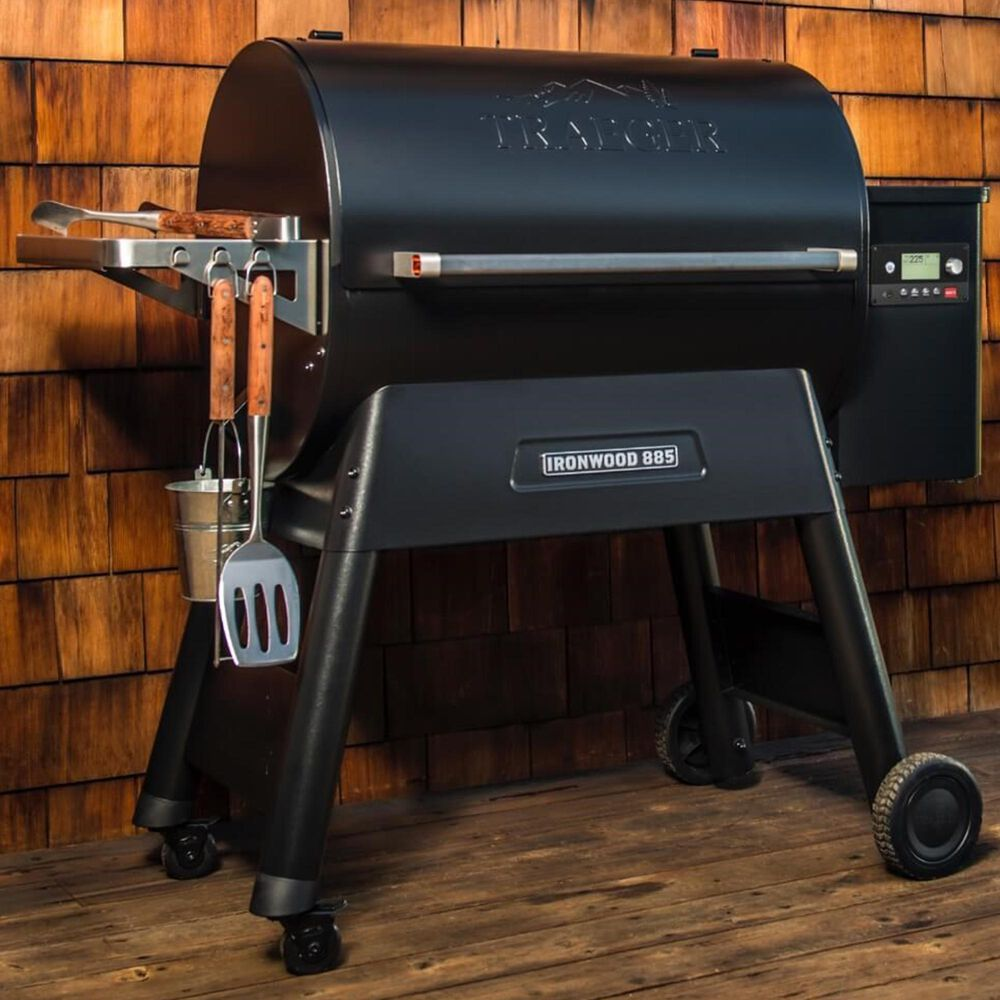 Traeger Grills Ironwood Series 885 Pellet Grill in Black, , large