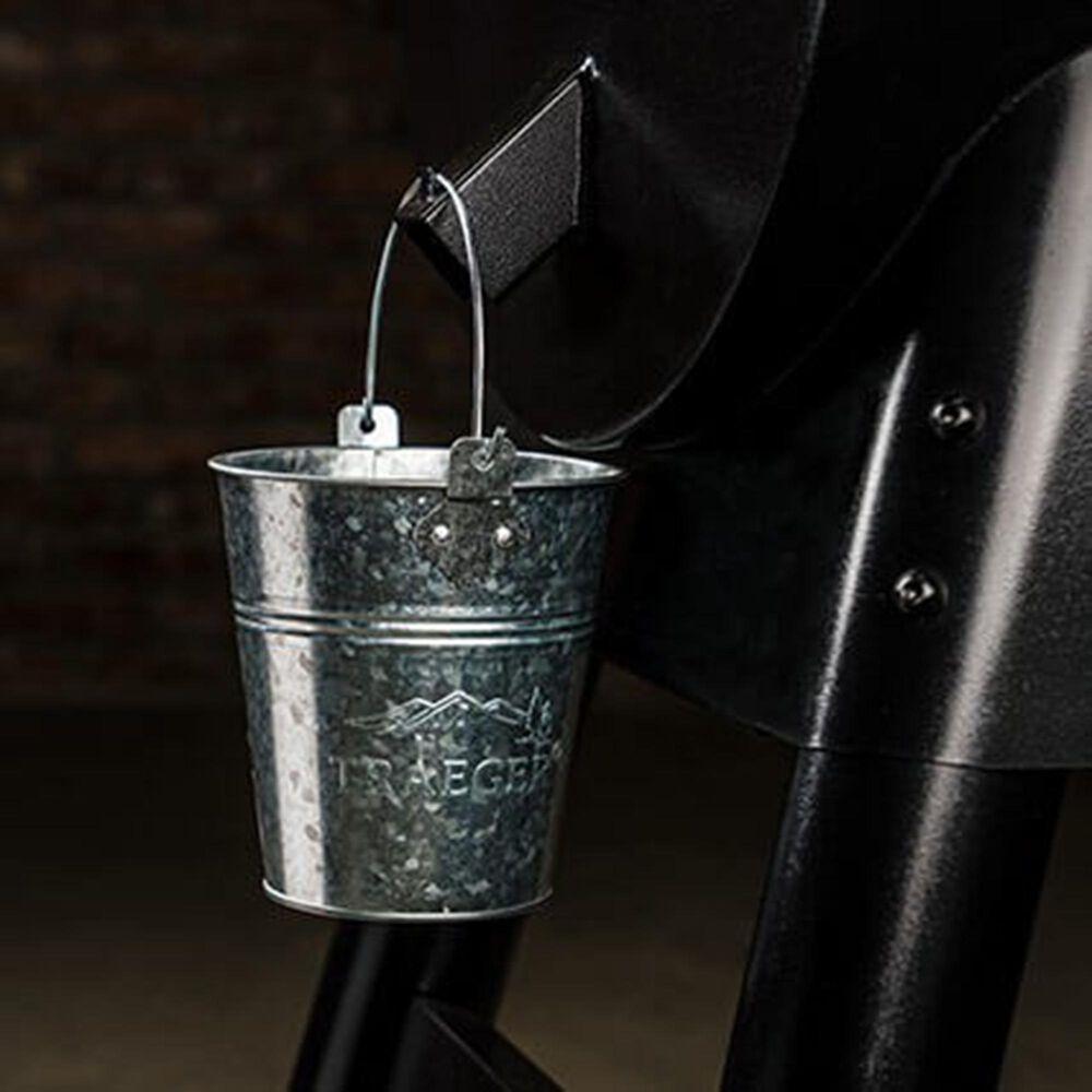 Traeger Grills Ironwood Series 650 Pellet Grill in Black, , large