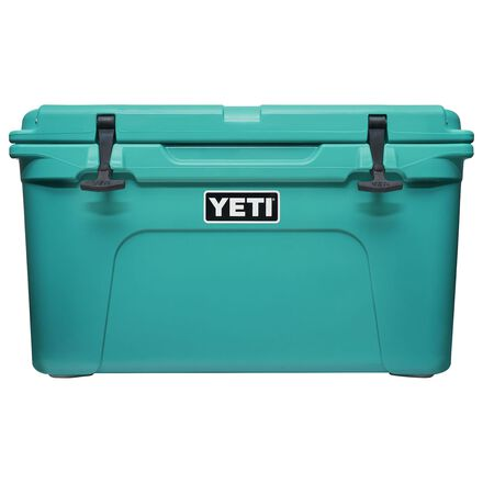 Yeti hard cooler in Aquifer Blue