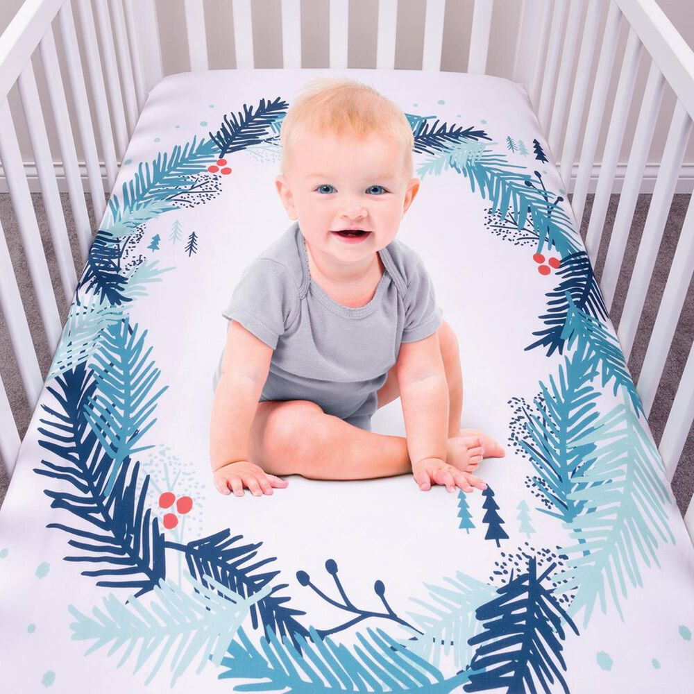 Trend Labs Spruce Wreath Photo Op Fitted Crib Sheet in White, , large