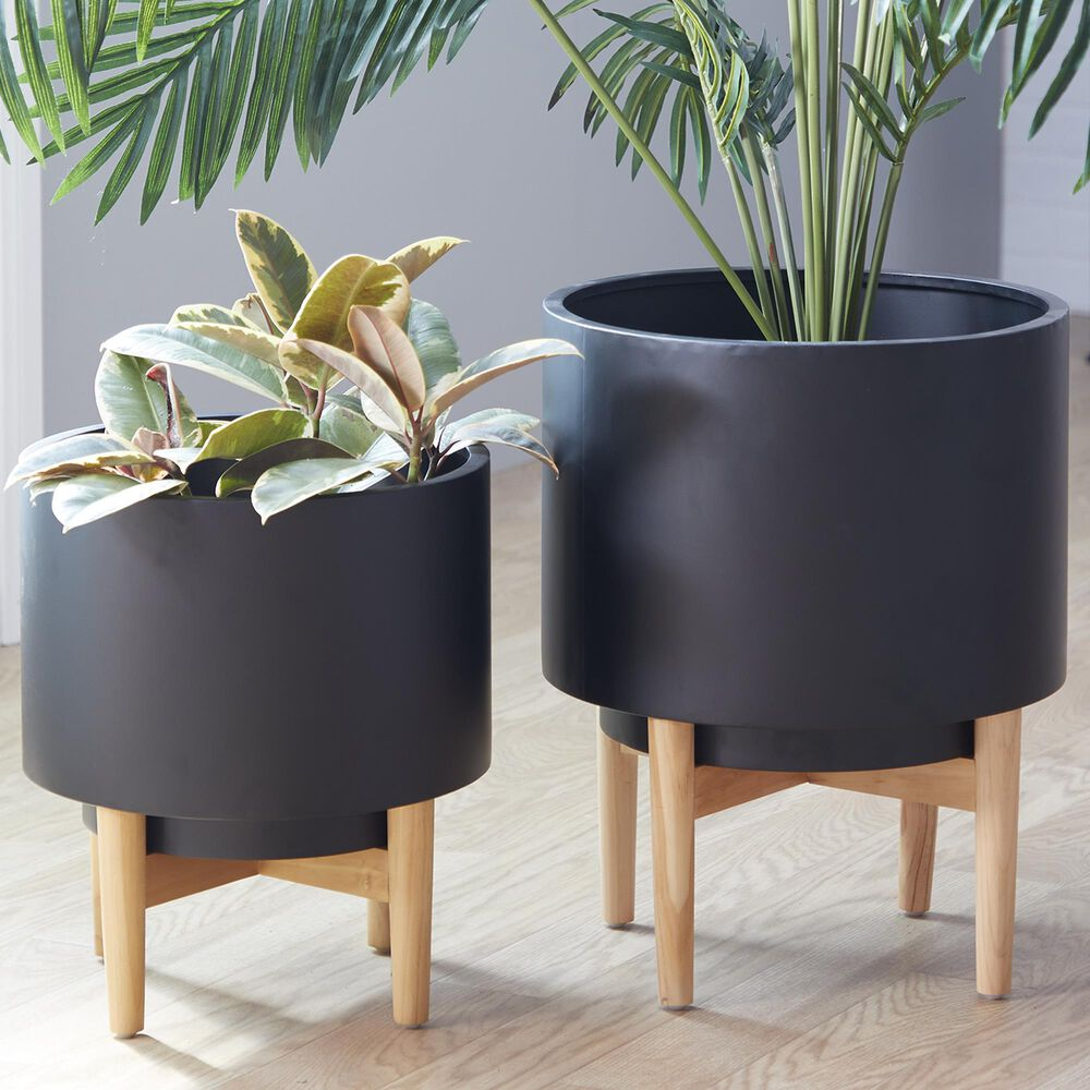 Maple and Jade CosmoLiving by Cosmopolitan Contemporary Short Metal Planter in Black Set of 2, , large