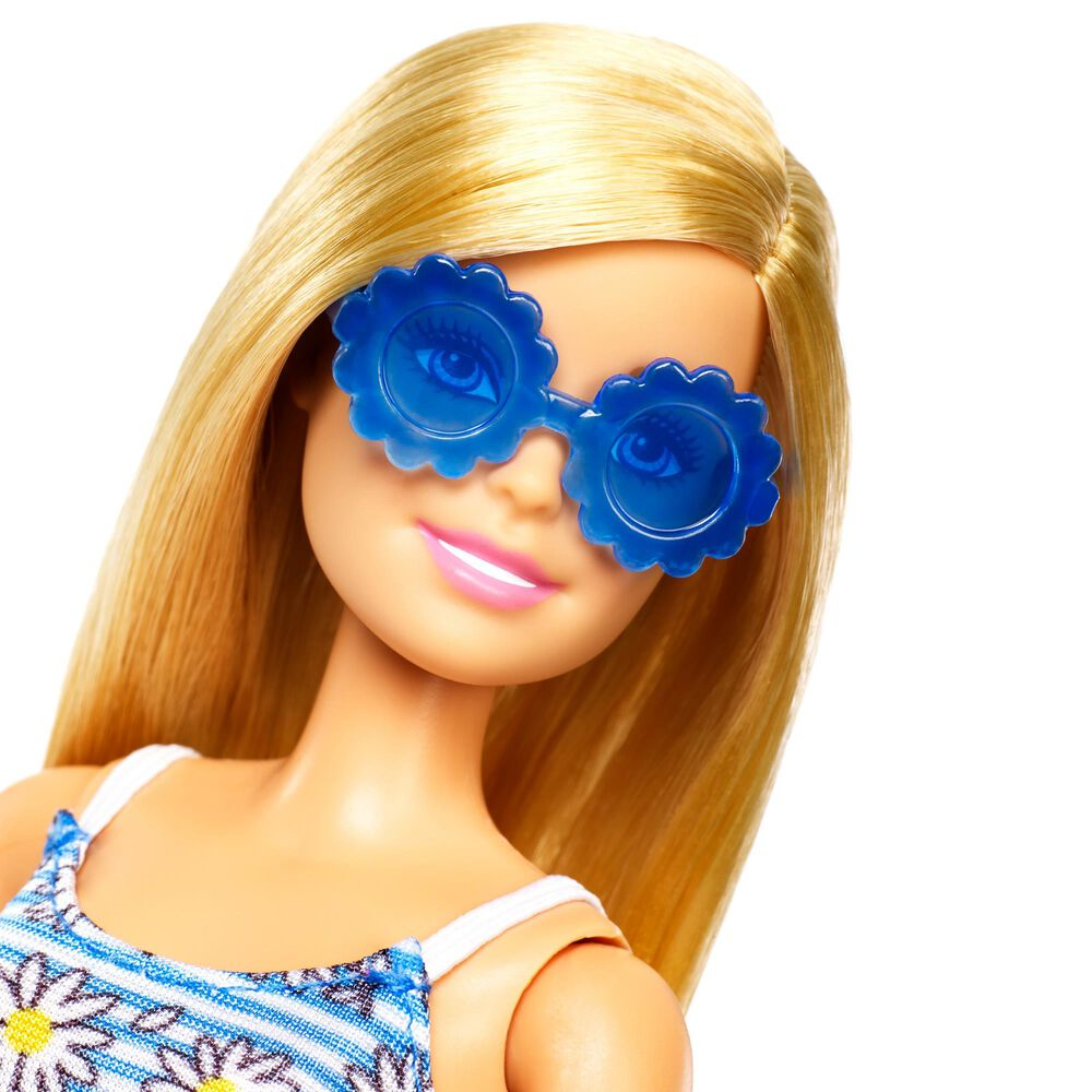 Barbie Doll with Fashions and Accessories, , large