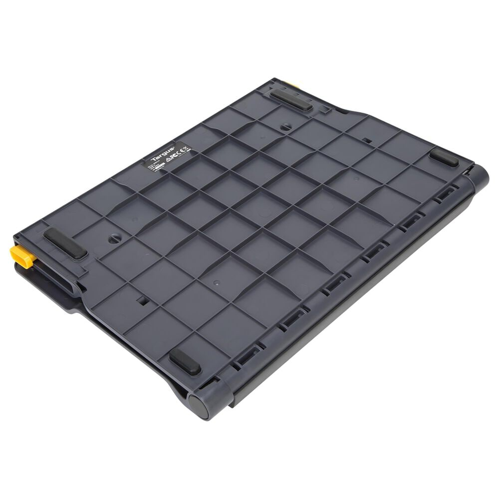 """Targus 17"""" Chill Mat+ with 4-Port Hub in Black, , large"""