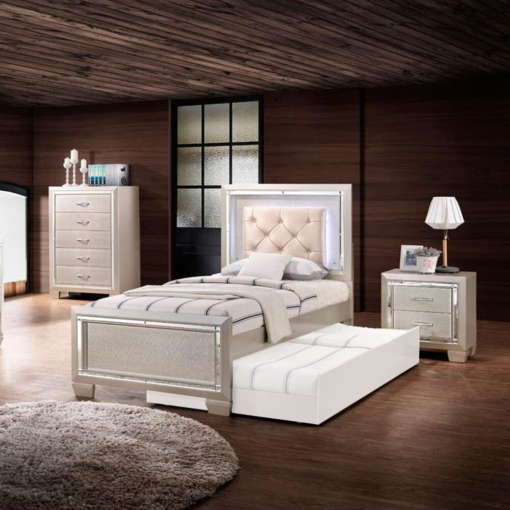 Mayberry Hill Platinum Youth 4 Twin Bedroom Set in Platinum, , large
