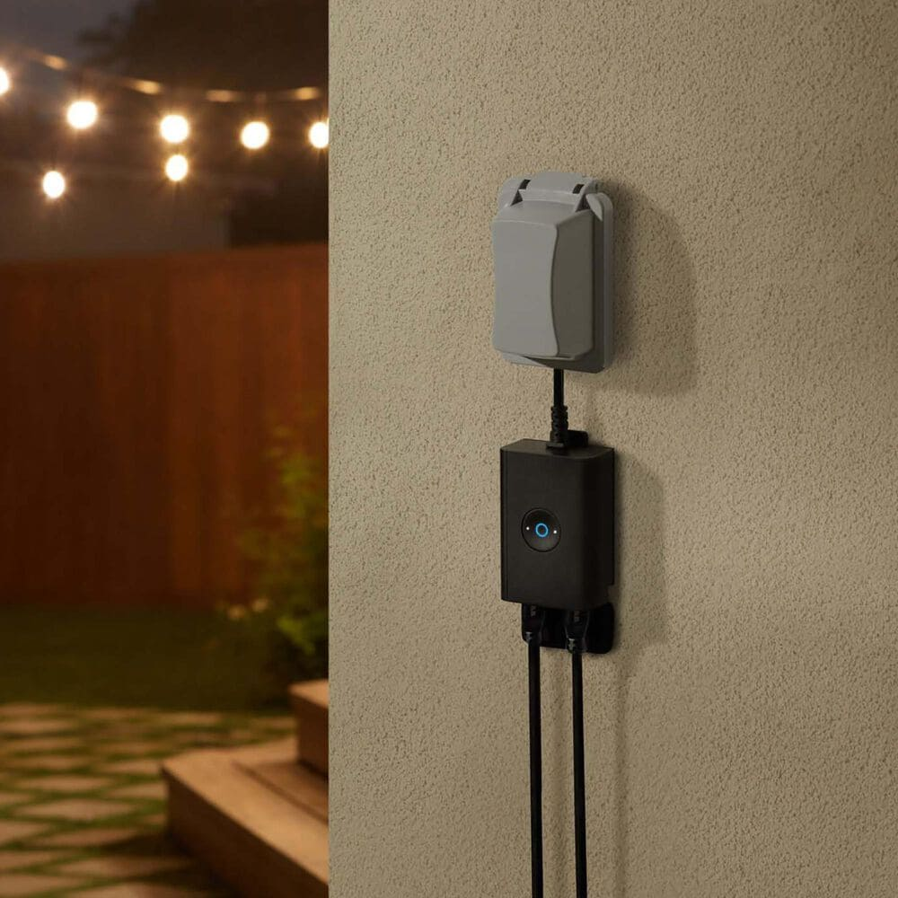 Ring Outdoor Smart Plug in Black, , large